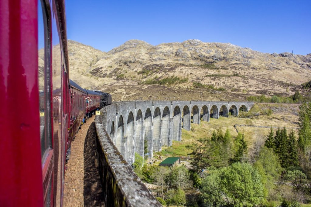 Hogwarts Express - Famous Arches Edited