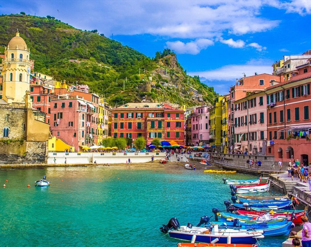 Vernazza, Italy Cinque Terre Solo Female travel blog itinerary guide Busabout